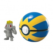 Pokemon - TOMY - figurka+kula - T19139 Machop + Quick Ball